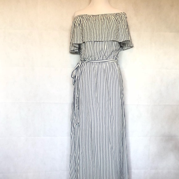 6ffb06156b05 Maurices off the shoulder striped Maxi Dress. M 5b550f33dcf855bfba5089a2